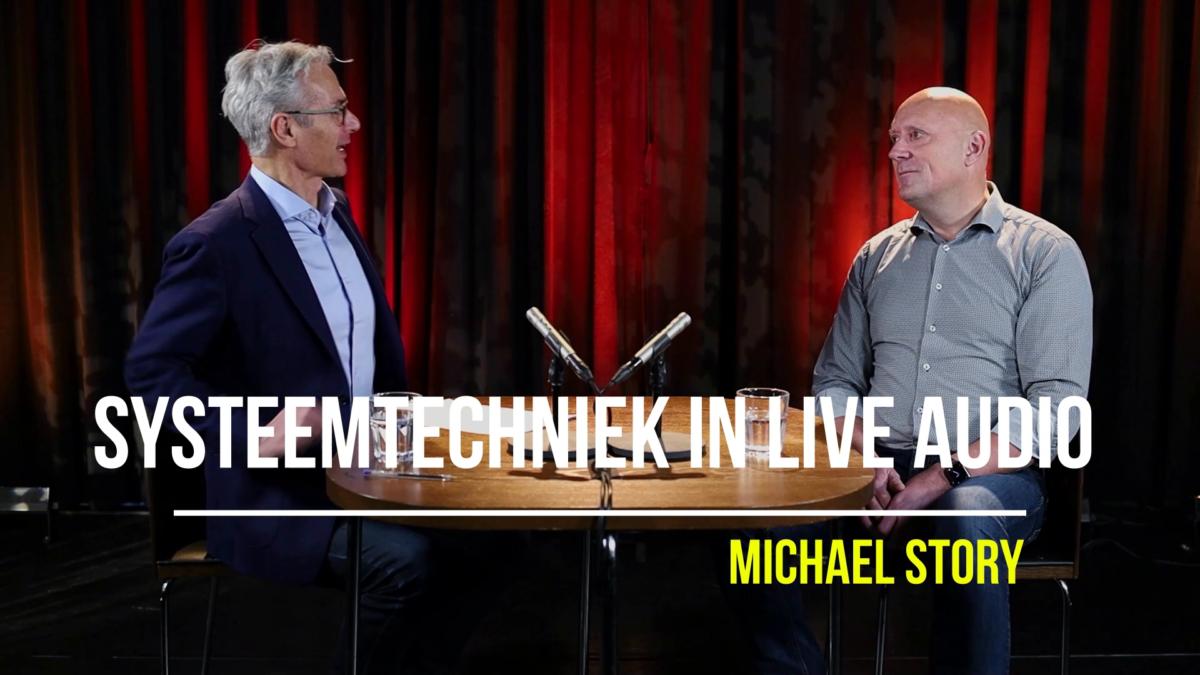 Michael Story tijdens interview